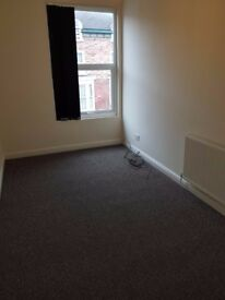 Redecorated 1 bedroom flat to rent in L6