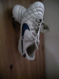 Size 7 mens football boots