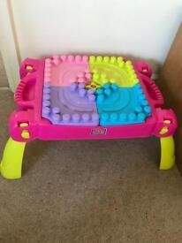 Mega Blok table