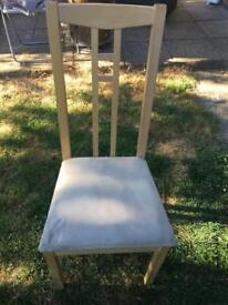 Jussi Ikea gold out table and 4 chairs
