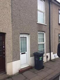 2 Bedroom Mid Terraced House for Rent in Grays Essex RM17 £900pcm
