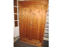 PINE 2 DOOR 1 DRAWER WARDROBE IN VERY GOOD CONDITION ,
