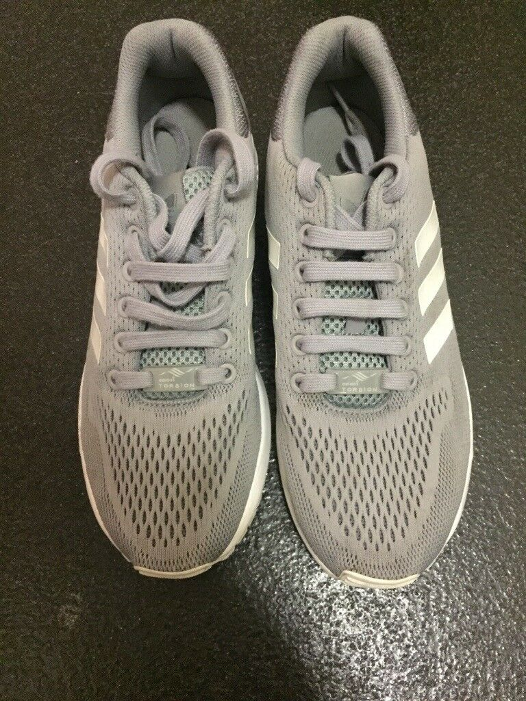 4fcd01107 Adidas torsion trainers size 7