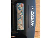Maxi Cosi Cabriofix Care Seat & Maxi Cosi EasyBase 2 Non Isofix Car Seat Base