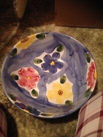 Large display bowl