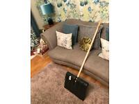Snow shovel / plough / spade