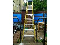 8ft alluminuim step lader with papers