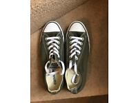 Green converse. Unisex. Size 7
