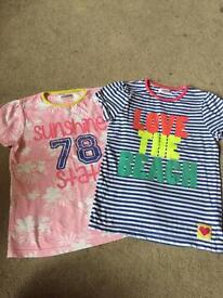 2x t-shirts