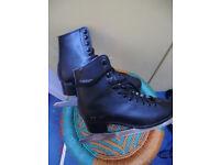 Pair Ice skates size 5