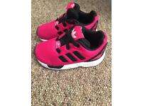 Girls adidas torsion size 5.5 toddler fantastic condition