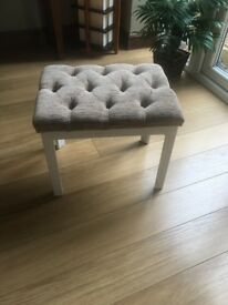 BARGAIN-Beautiful elegant footstool