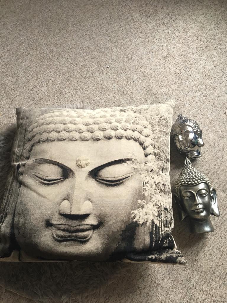 Buddha floor cushion and x 2 Buddha heads £20