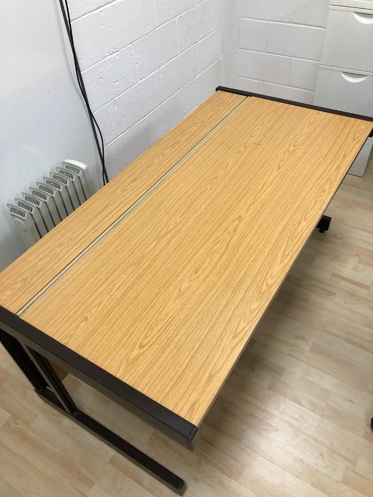 5 office desks and 4 drawer pedestal units