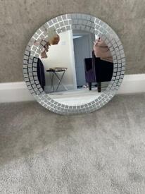Round glitter mirror