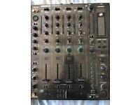 Reloop RMX 80 mixer