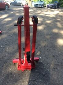 Engine hoist for sale only used twice . good condition