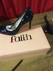 faith chloe sequin shoes size 4