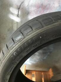 205/45/17 Dunlop runflat tyres x2