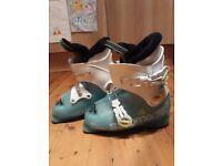 Kids Ski Boots, Salomon, Mondo 21, UK Size 1