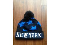 NEW YORK bobble hat