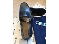 Classic black loafers size 6.5 ~ 7 (size euro 40)