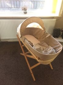 Moses basket + Stand