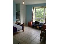 Large Twin Room in Stockwell, Zone 2, Only £100 Deposit.