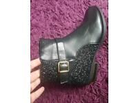 Ladies boots size 7