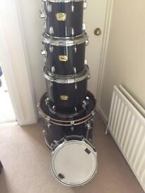 Yamaha Fusion drum kit and rack