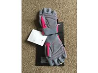 Womens Nike weight lifting gloves Size S