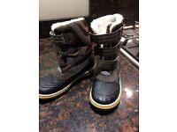 Boys boots size uk 1