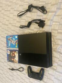 PS4 with 2 games