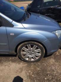Ford Focus 2006 Drivers wing sky blue