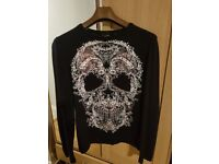 Beautiful navy JustCAVALLI Mens printed Skull top, worn but in good condition (size: medium)