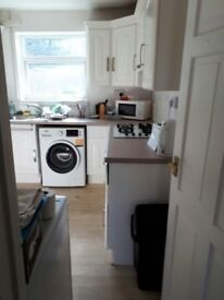 Short Term Let Accommodation/ Contractors in Canterbury - Large 3 Bedroom House