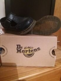 Very good condition size 6.toddlers shoes dr martens