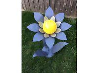 Large Solar Metal Flower Garden/ Conservatory/Patio Decoration Scupulture Ornament