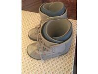 Snowboard boots gents size 10 Burton Moto