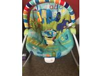 Baby rocking/bouncing chair
