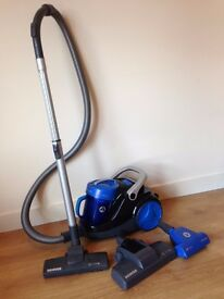 URGENT! HOOVER BLAZE PETS BAGLESS CYLINDER VACUUM CLEANER - used with a box