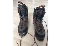 Salomon Super Mountain 9 Guide Ice Climb Boots - Size 11