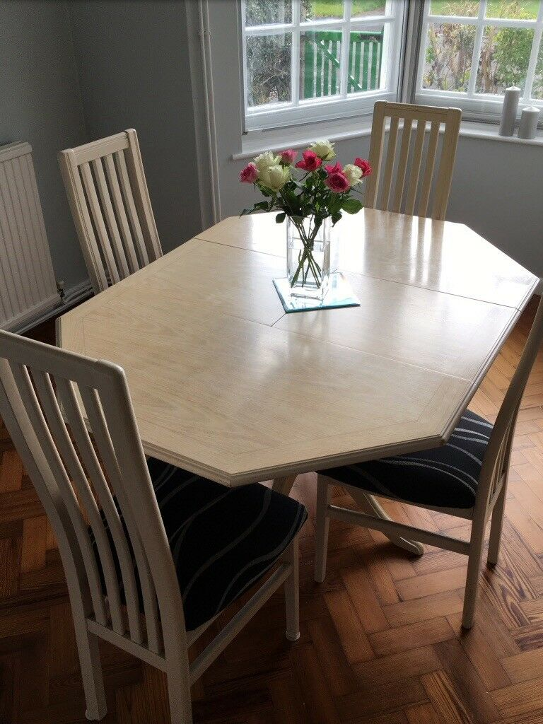 G Plan extendable dining table and 4 chairs