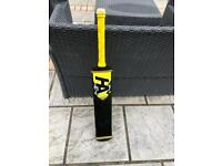 Tennis cricket bats