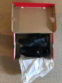 Brand new and boxes all black Huarache trainers