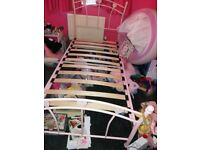 Girls pink heart bed.great condition