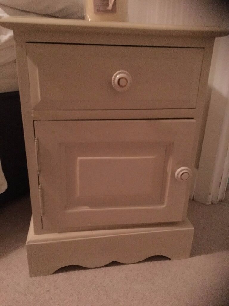 Cream Bedside Tables: Old Pine Bedside Cabinet Country Cream Chalk Painted And