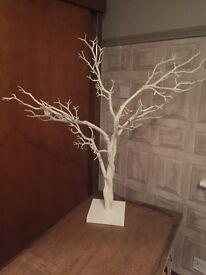 White decorative twig tree 94cm