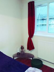 Amazing, cosy good size room for girl. Great area near shops, bus stop, Station and tube.