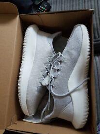 Adidas Trainers Tubular Shadow Grey/White size 7